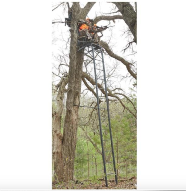 Guide 20' Ladder Tree Stand Blind